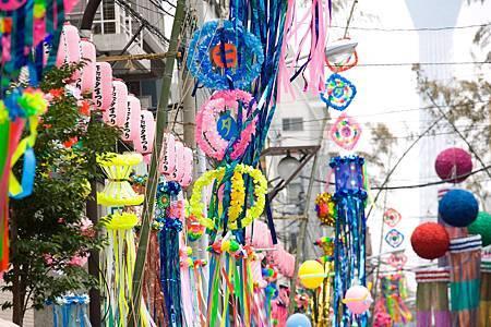 圖1:熱鬧和浪漫的河童橋本大道被當地人比喻為「銀河」.jpg