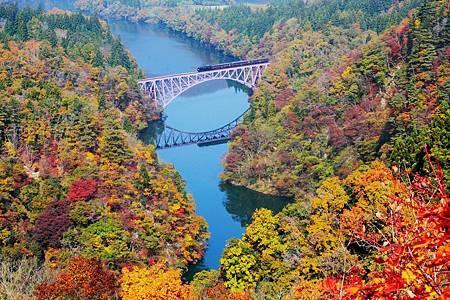 圖5:只見線帶領遊客欣賞美麗的鐵道風景.jpg