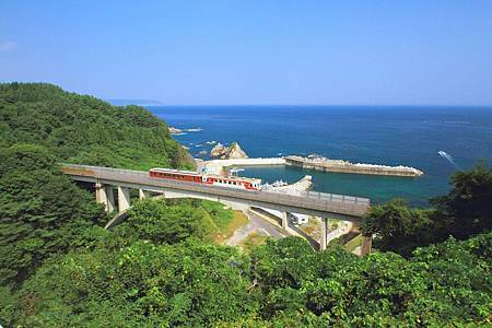 圖6:行駛三陸鐵道的過程中絕對要保握時間欣賞美麗的海景.jpg