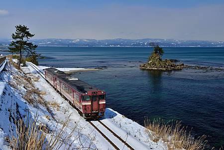 圖8:列車上遠遠就可以看到壯麗的立山連峰,壯觀景色不容錯過.jpg