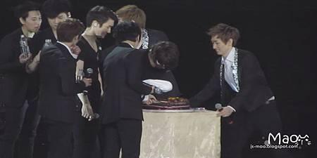 偷吃蛋糕4XD+毛巾.JPG
