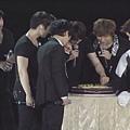 偷吃蛋糕XD.JPG