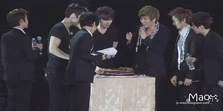 偷吃蛋糕3XD.JPG