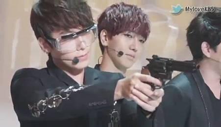 120726【花絮】Super Junior - 奧運祈願成功採訪 - YouTube[20-52-22]