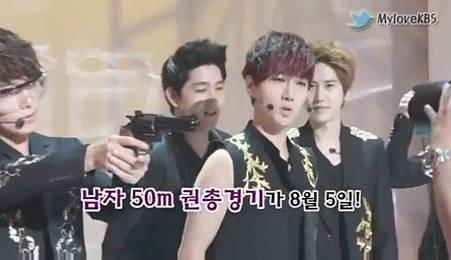 120726【花絮】Super Junior - 奧運祈願成功採訪 - YouTube[20-52-56]