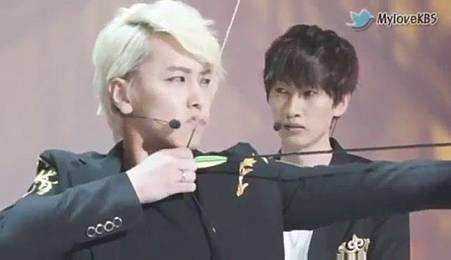 120726【花絮】Super Junior - 奧運祈願成功採訪 - YouTube[21-11-30]