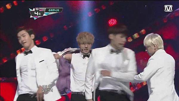 120830 SUPER JUNIOR - Sexy, Free & Single + SPY @ M countdown Special Stage - YouTube.mp40170