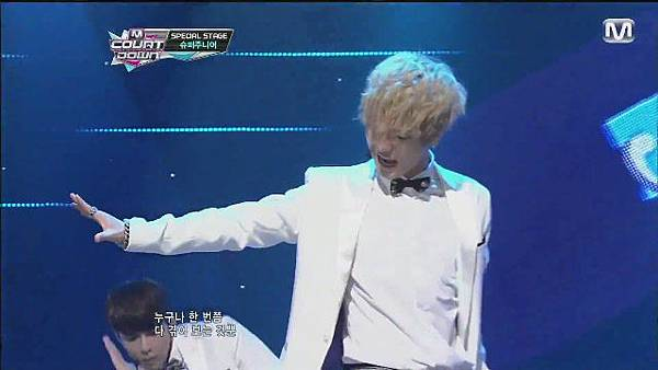 120830 SUPER JUNIOR - Sexy, Free & Single + SPY @ M countdown Special Stage - YouTube[21-07-44]