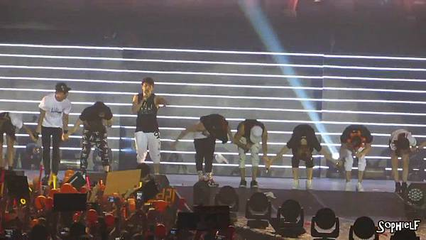 [Fancam] 130608 Shinhwa in Hong Kong - Encore Part 2[09-30-42]