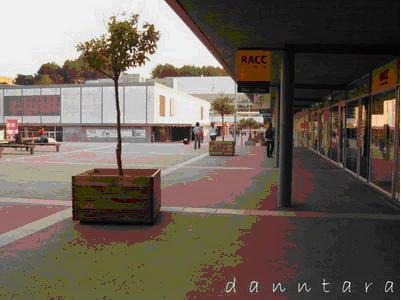 校內的主要廣場.jpg
