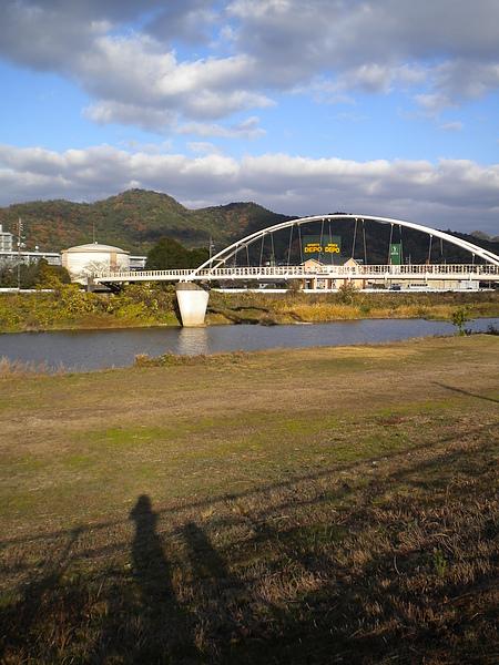 極道很常出現的河堤邊.JPG
