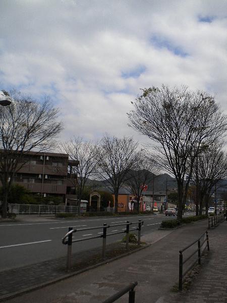 前方校門2.jpg