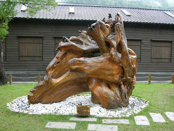 外頭展示的木雕