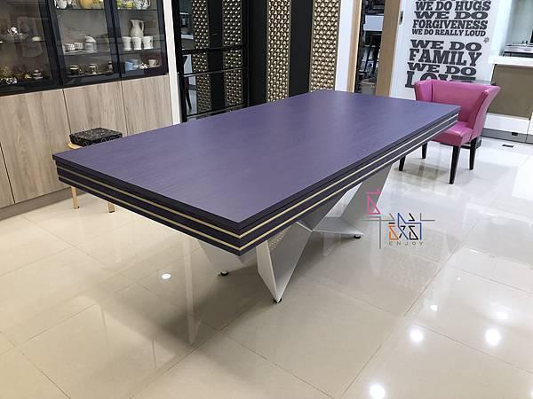紫色鑲香檳金邊白砂桌腳撞球餐桌-C.jpg