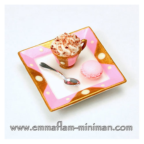 Cappuccino with Macaroon (Pink)