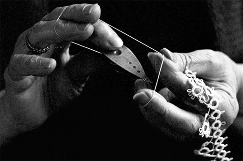 Tatting-Lace-2.jpg