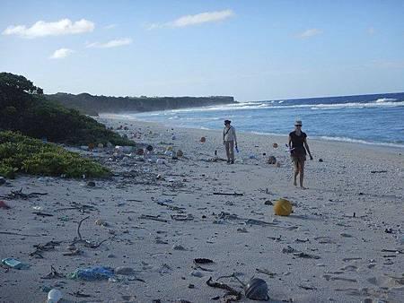 垃圾密度全球第一 太平洋無人島淪垃圾島c17d710