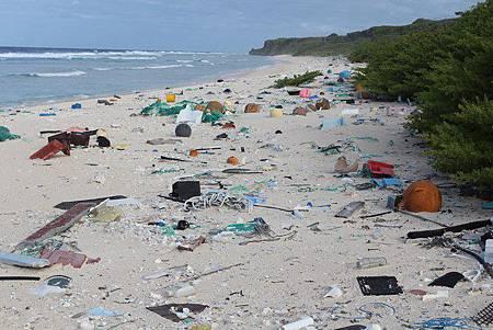 垃圾密度全球第一 太平洋無人島淪垃圾島49350e