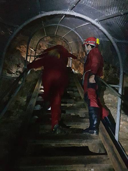 洞窟探險篇(52).jpg