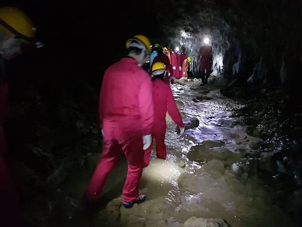 洞窟探險篇(27).jpg