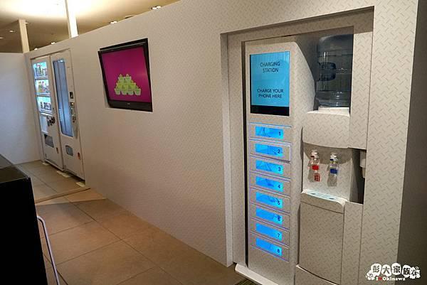 DFS沖縄T廣場-免費休息室-手機充電站3 20200122.jpg
