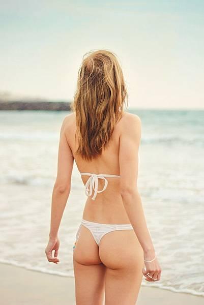 back-view-beach-bikini-323244.jpg