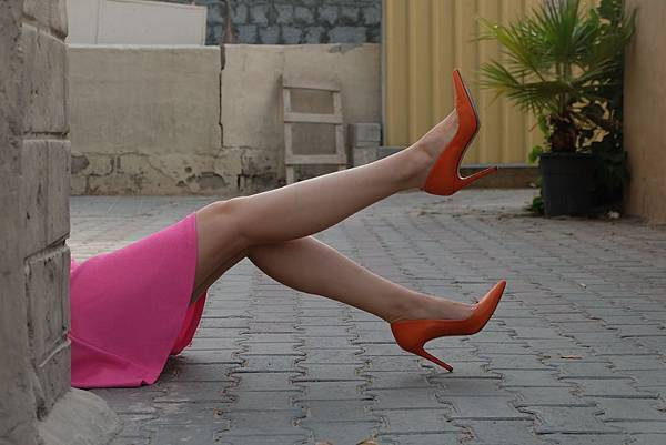 daylight-dress-fashion-1446524.jpg