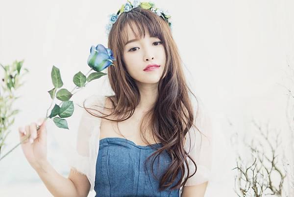 attractive-beautiful-beauty-1073567.jpg