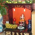 越南店內供 奉的神.JPG