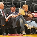 湖人總管 Mitch Kupchak 與兒子 Jim Buss, Jerry Buss