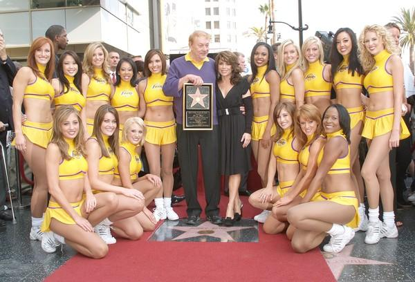 Jerry Buss 與 Lakers Girls