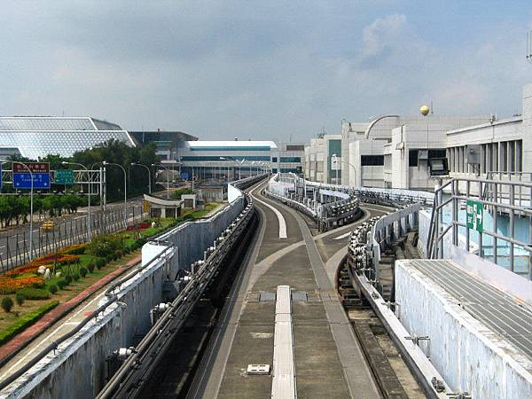 桃園空港の電車