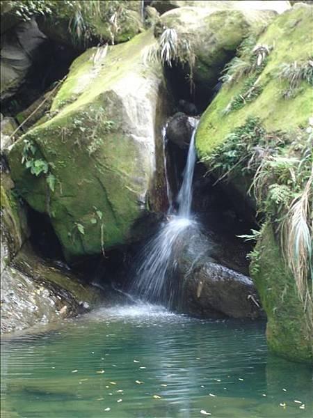 誤以為是德興瀑布的小瀑布