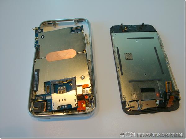 拆開來的iPhone3G