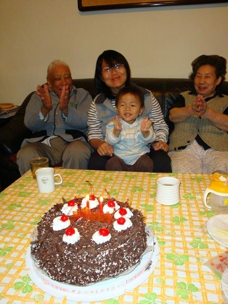 25449776:小罡的兩歲生日
