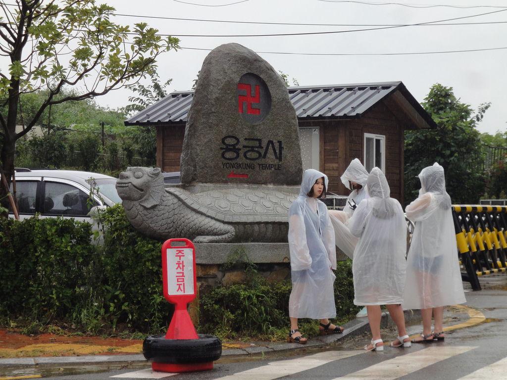 便利雨衣很流行