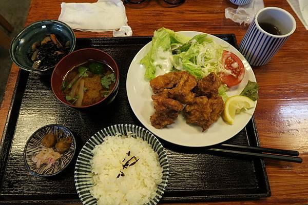 雞唐揚げ定食702円