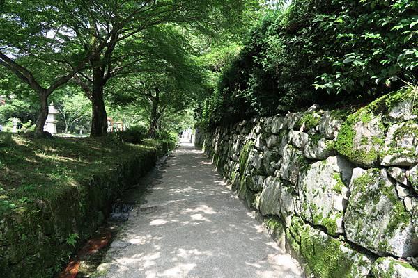 往ケーブル坂本步道