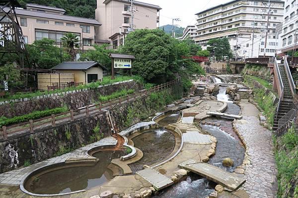 金の湯葫蘆池