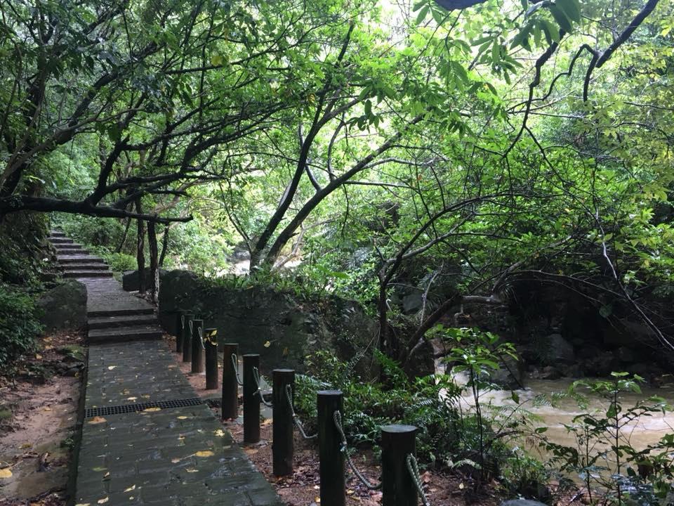 圓覺瀑布步道