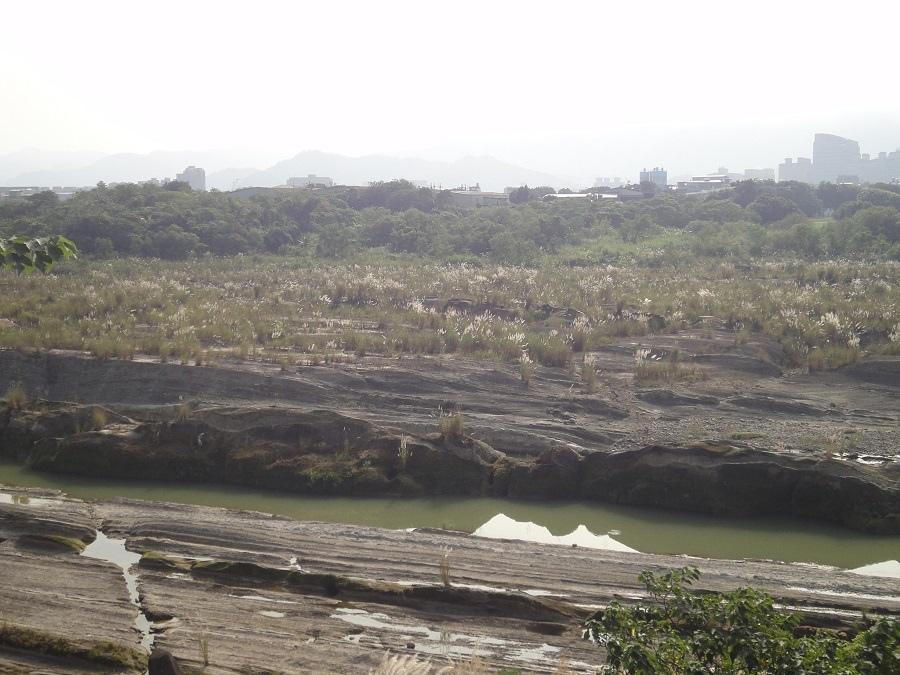 大漢溪河床