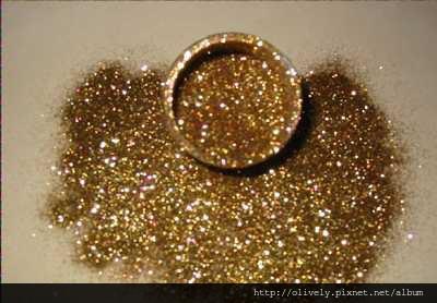 big_gold glitter
