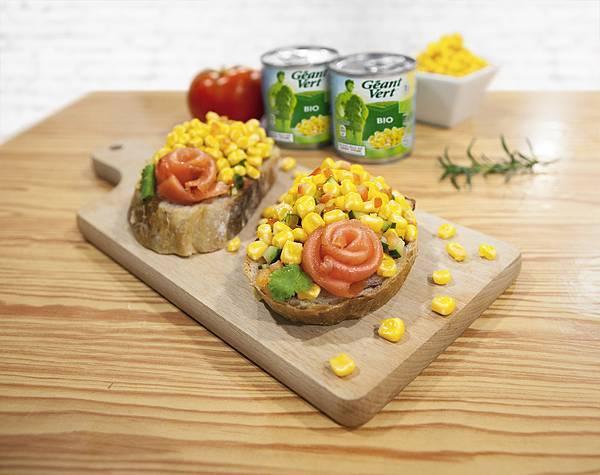 玉米燻鮭麵包(小)_FAOL.jpg