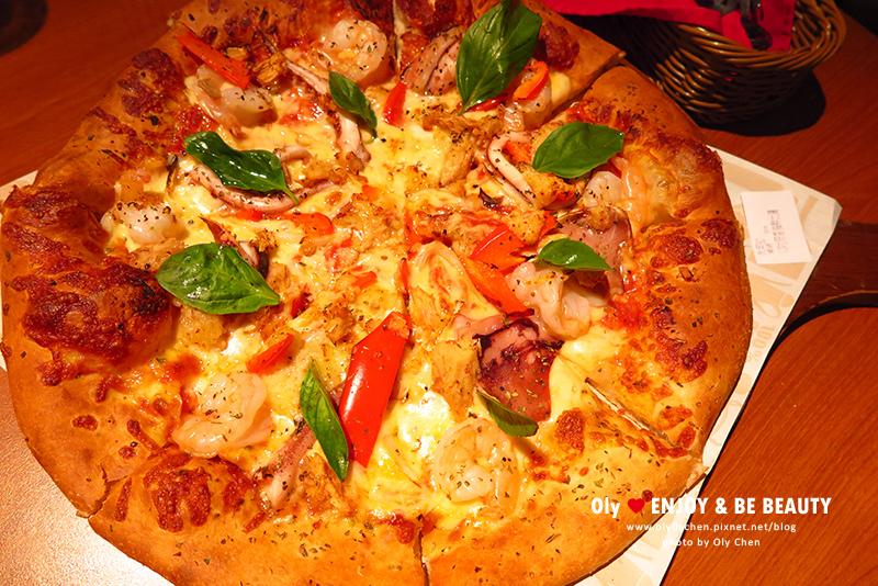 蒜香海鮮比薩