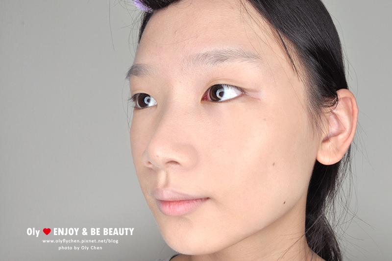 starsuki柔焦肌密真空彈壓粉底液,持妝光澤奶油肌