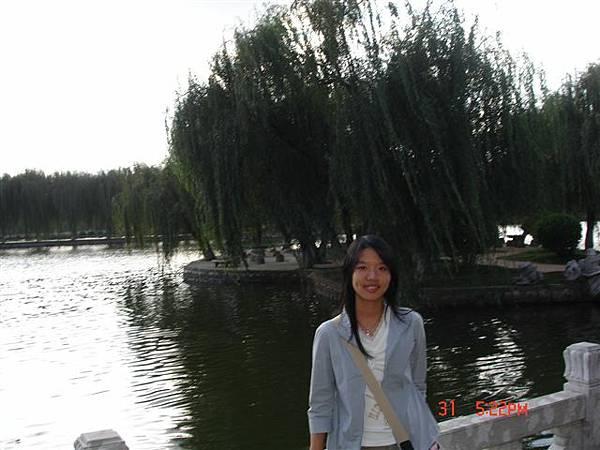 沿著池到處都很漂亮