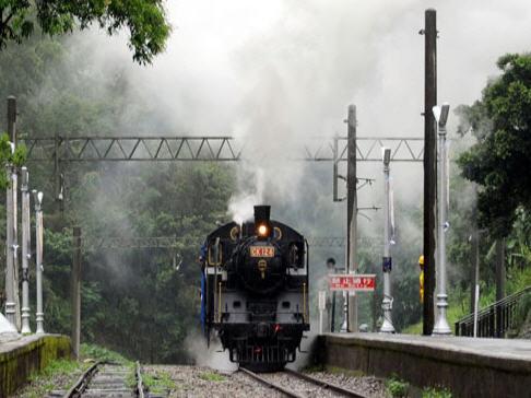 舊山線蒸汽火車.jpg