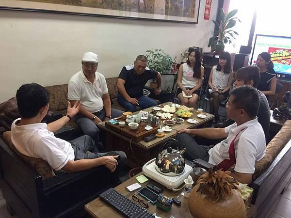 『中國杭州代理與阿里巴巴總監王鋼』至台灣易特商務網總公司洽談合作方案及到代工廠參觀