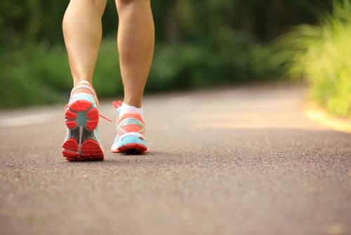 超粗蘿蔔腿!「小腿肌肉超發達女子」共通的3種NG走路法