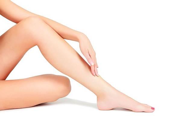 「腳部水腫」的原因與5種預防方法